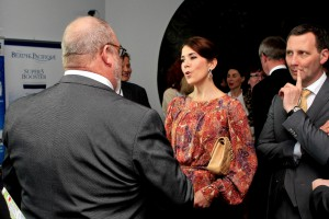 Her Royal Highness The Crown Princess Mary of Denmark speaking with SPF CFO Henrik Thomsen (left) and Danish Minister for Health Nick Hækkerup.